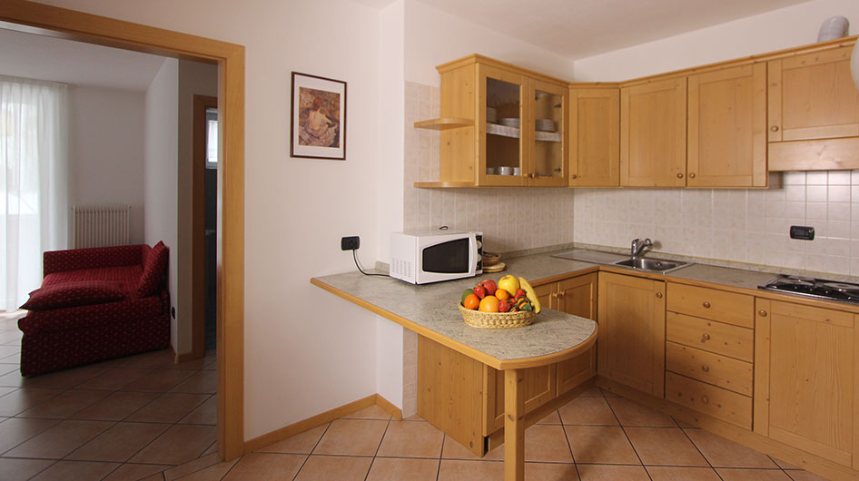 Kitchen with breakfast table and microwave